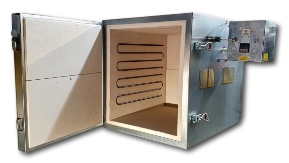 950 C (1742 F) Programmable Kiln With Large, 160 C/L Chamber